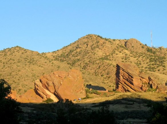 At sunrise, the property to be designated lies in shadow in the foreground of the amphitheatre. SL White photo.